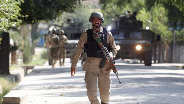 Ufficiale delle forze di sicurezza dell-Afghanistan (foto d'archivio) - Sputnik Italia