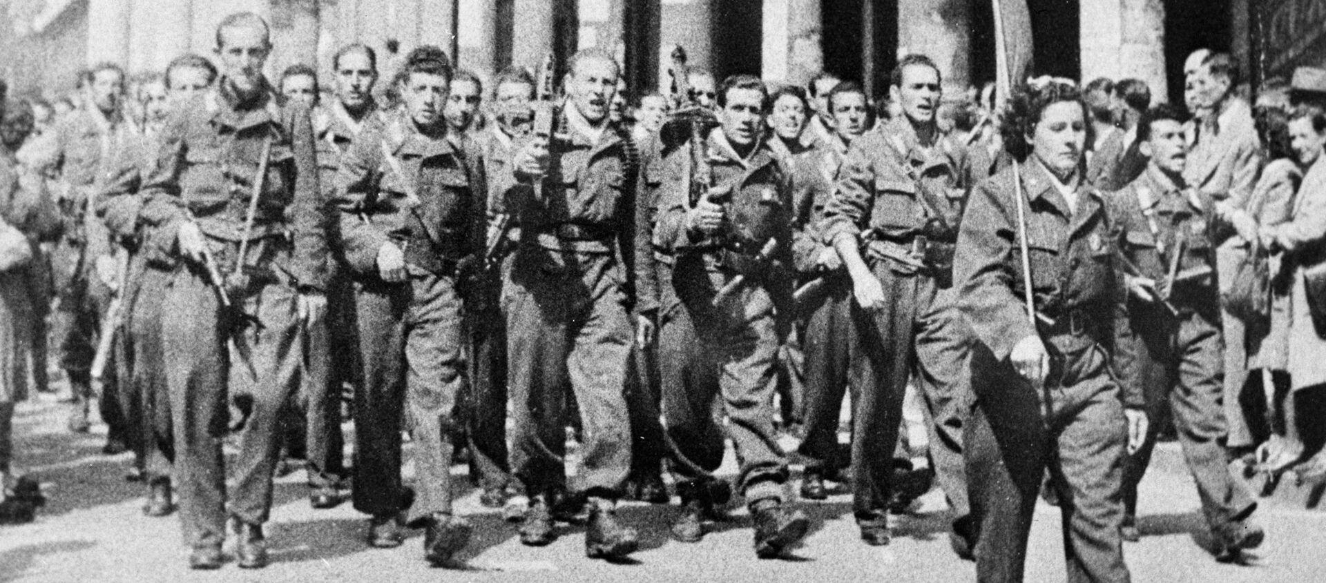 Partigiani italiani sfilano a Milano - Sputnik Italia, 1920, 22.03.2020
