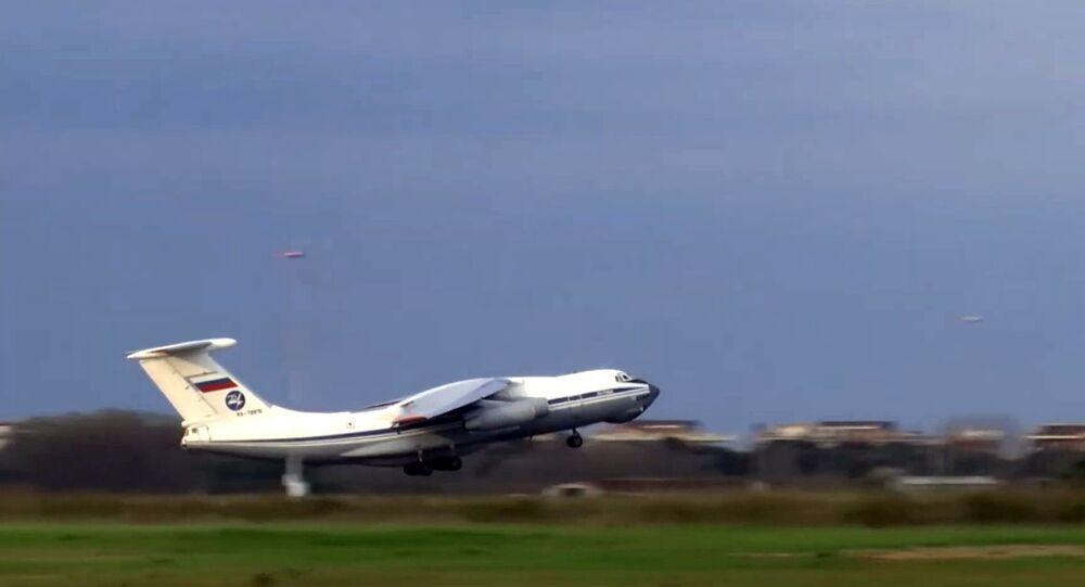 Un Il-76, un aereo da trasporto militare dell'Aeronautica militare russa con a bordo attrezzature mediche, inviato  in Italia per combattere il coronavirus COVID-19