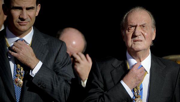 Король Испании Филипп VI и бывший король Испании Хуан Карлос I в Мадриде - Sputnik Italia