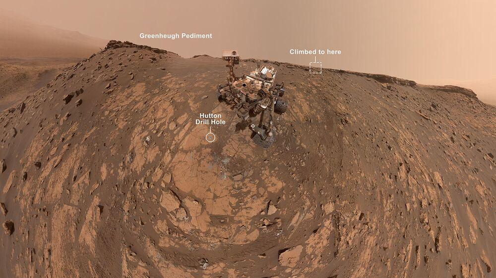 Questo selfie è stato preso dal rover Curiosity Mars della NASA il 26 febbraio 2020
