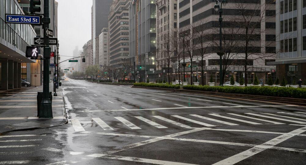Strada desolata a New York per emergenza Covid-19