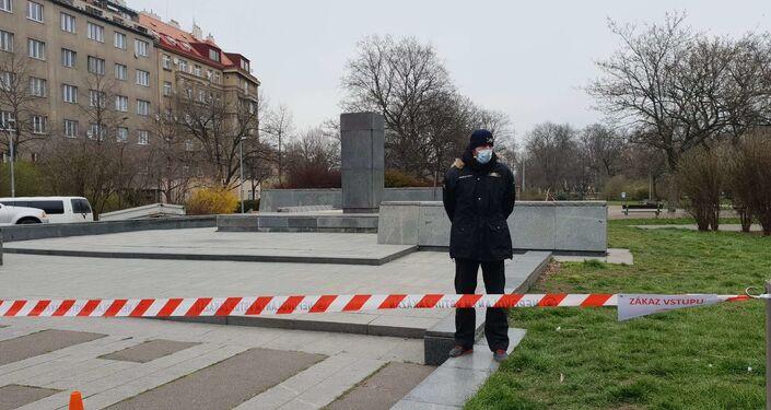 A Praga hanno rimosso la statua del maresciallo dell'Armata Rossa Ivan Konev