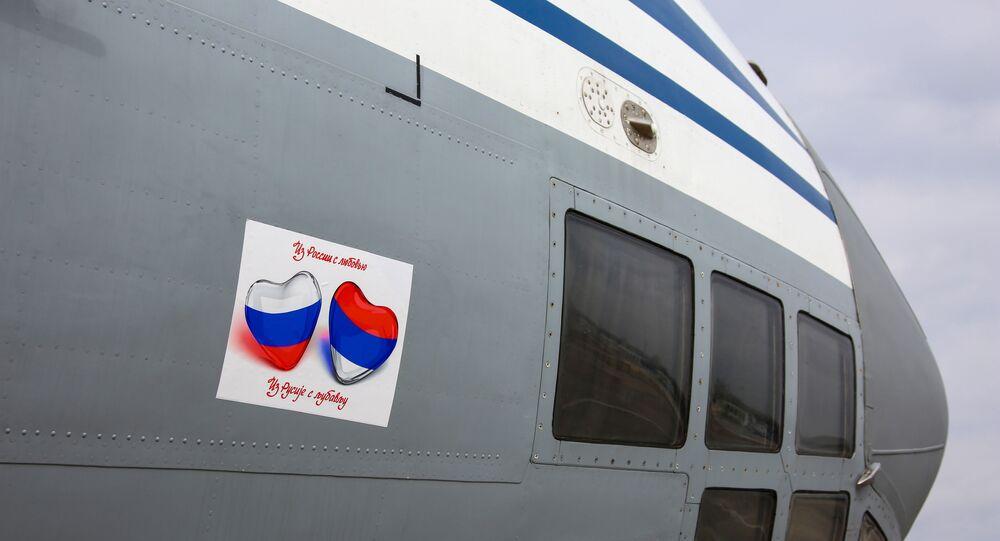Coronavirus, Russia invia aereo con medici e virologi in Serbia