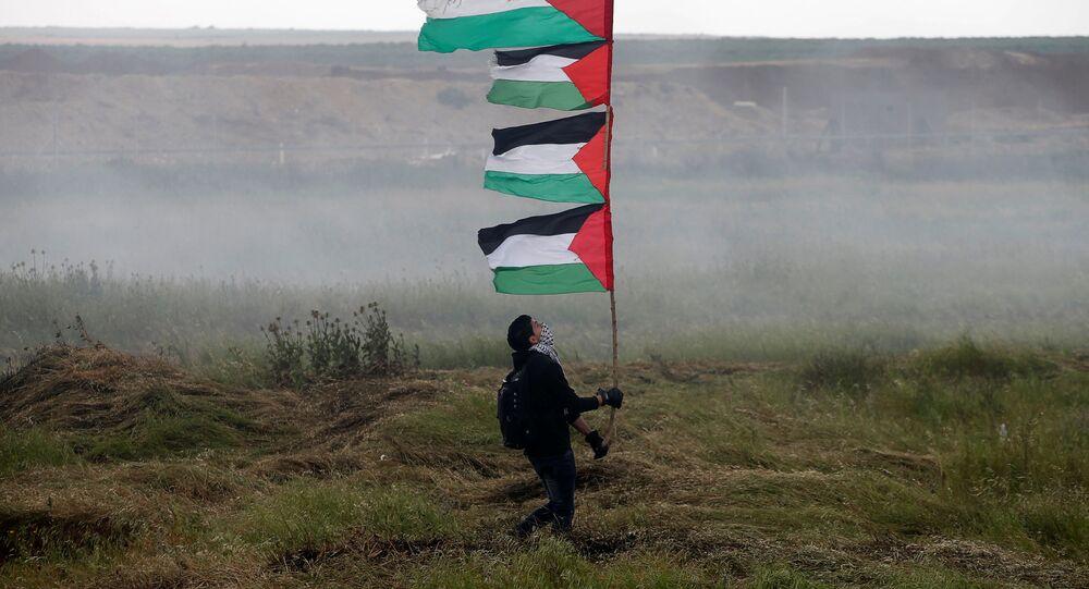 Le proteste dei palestinesi nella Striscia di Gaza al confine con l'Israele (foto d'archivio)