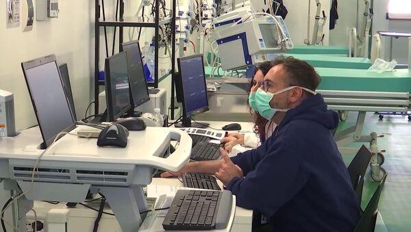 L'ospedale da campo a Bergamo in cui lavoreranno i specialisti italiani e russi - Sputnik Italia