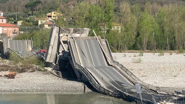 Crolla il ponte di Albiano Magra, ponte di Massa Carrara - Sputnik Italia