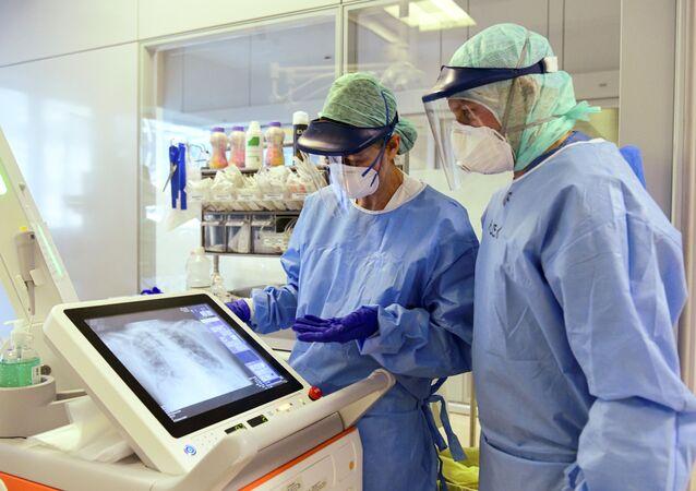 I medici all'ospedale di Bergamo