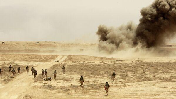 Esercitazioni nella base Besmayah, in Iraq - Sputnik Italia