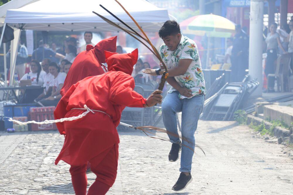 Le celebrazioni tradizionali della Settimana Santa in San Salvador.