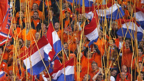 Fan olandesi allo stadio - Sputnik Italia