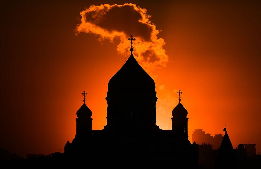La cattedrale di Cristo Salvatore al tramonto a Mosca, Russia