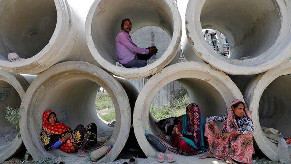 Lavoratori migranti in India - Sputnik Italia