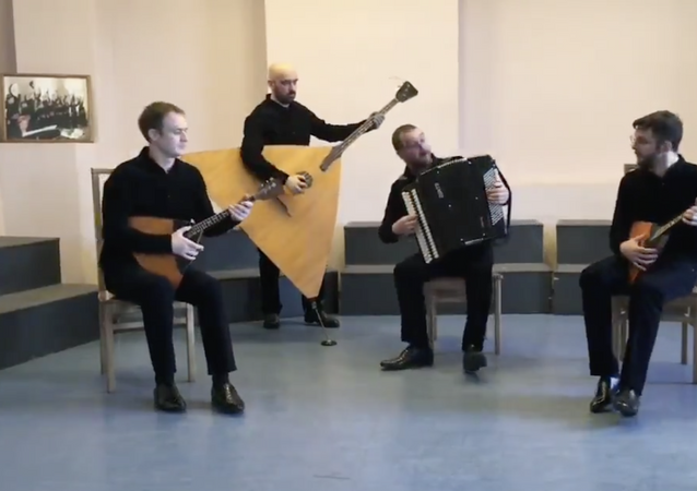 Per il 75° anniversario della Liberazione il gruppo musicale russo Lad-quartet vuole regalare a tutta l'Italia la loro versione dell'iconica Bella Ciao