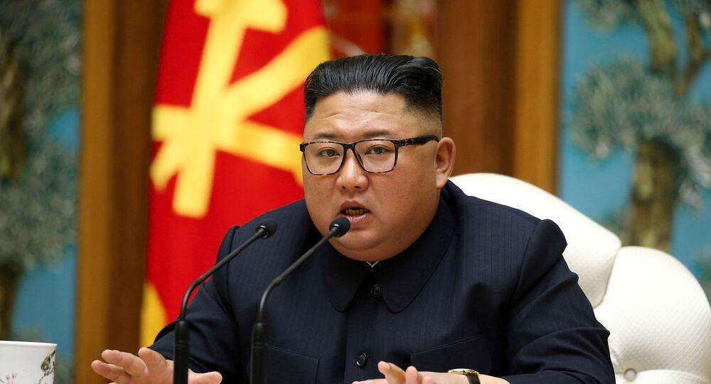 Foto dell'ultima apparizione pubblica di Kim Jong-un (11 aprile 2020)