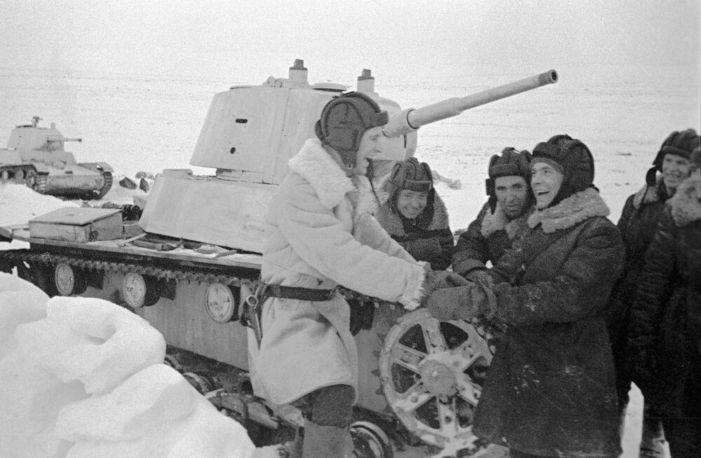 Il T-26 è stato un carro armato leggero da supporto alla fanteria prodotto dall'Unione Sovietica