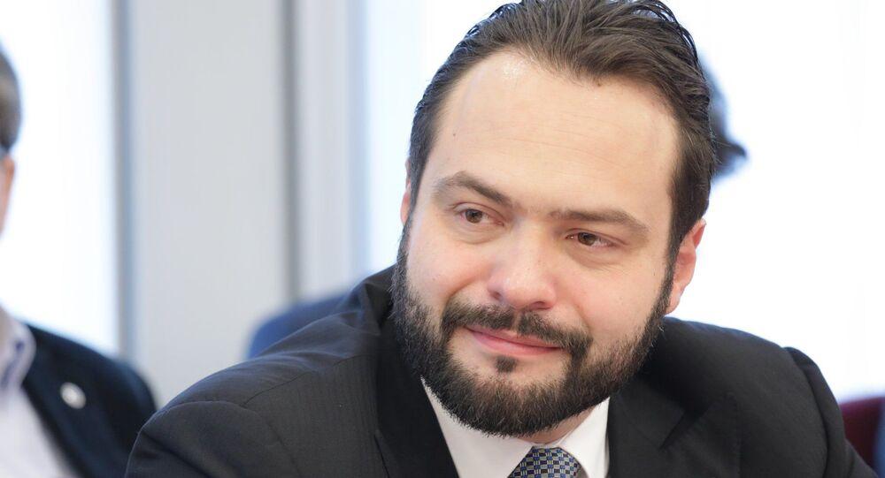 Il vicepresidente del Parlamento europeo Fabio Massimo Castaldo