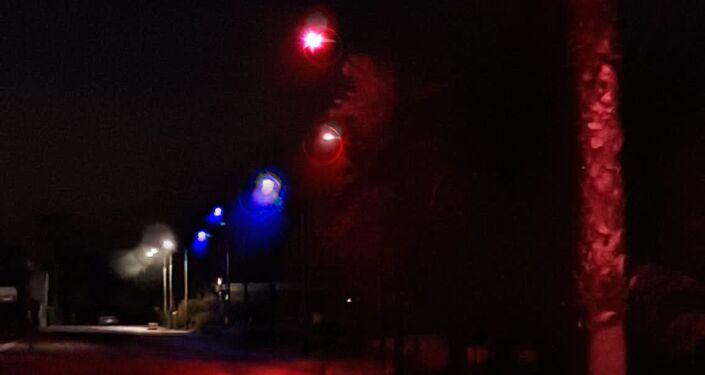 I lampioni del lungomare di Silvi illuminati con i colori della bandiera russa