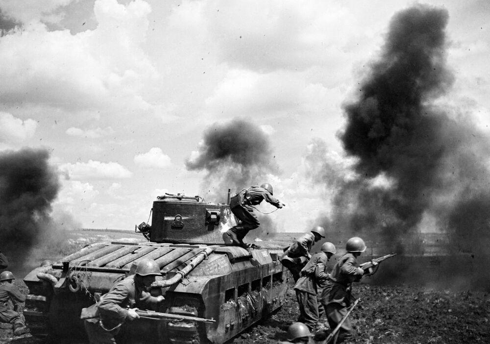 Un combattimento di carri armati nel fronte Sud-occidentale, URSS.