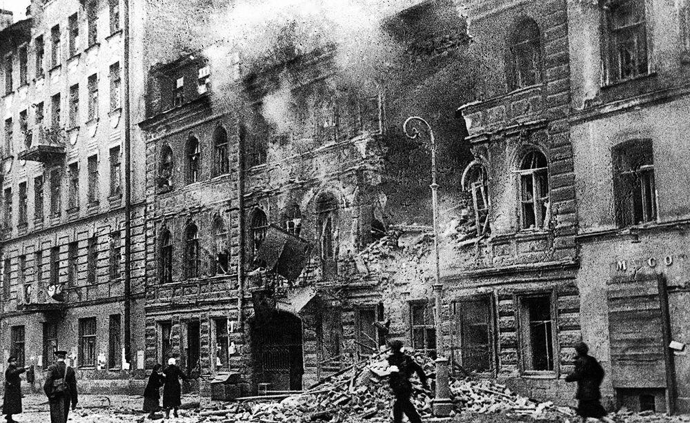Leningrado sotto bombardamento d'artiglieria, il primo marzo 1942.