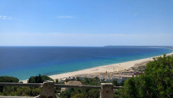 Una spiaggia di Zahara de los Atunes - Sputnik Italia