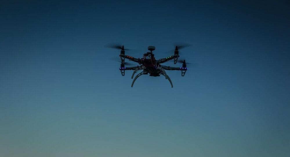 Un drone volante