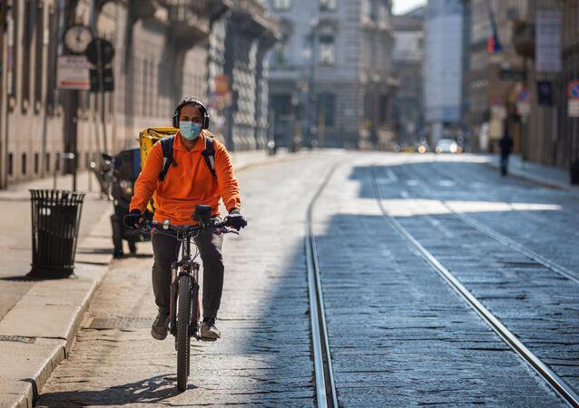 Coronavirus, rider a Milano