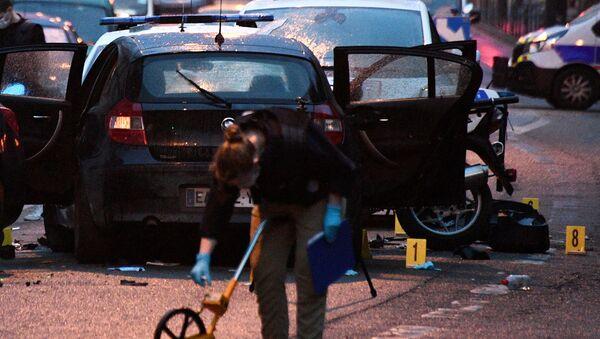 Luogo di attacco contro due poliziotti a Colombes, in Francia - Sputnik Italia