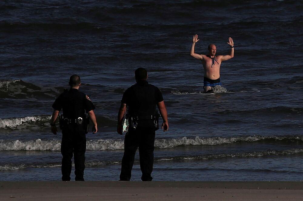 Un uomo arrestato dalla polizia in Texas, USA