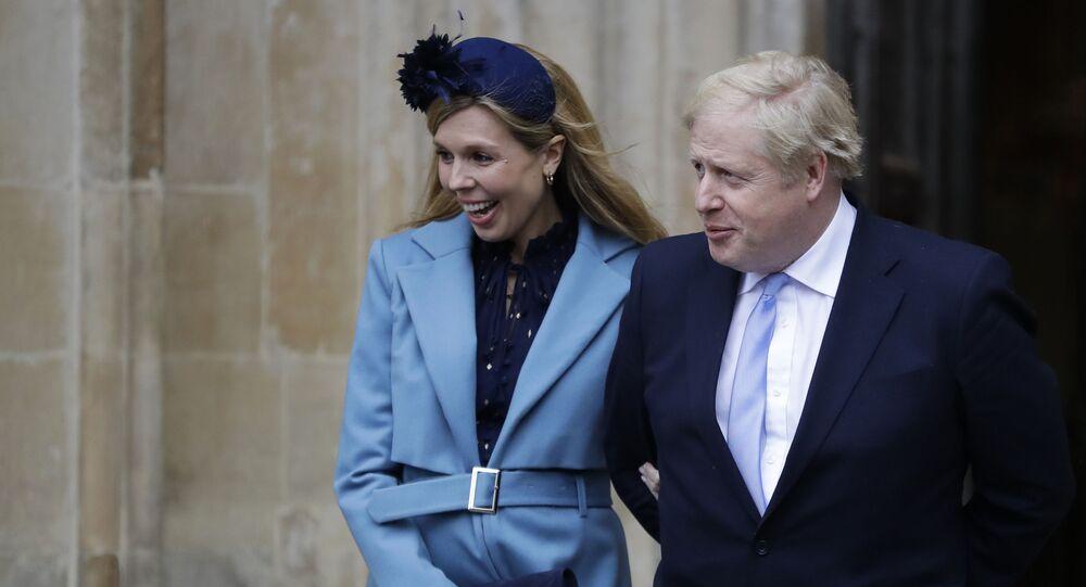 Boris Johnson e la sua compagna Carrie Symonds (foto d'archivio)