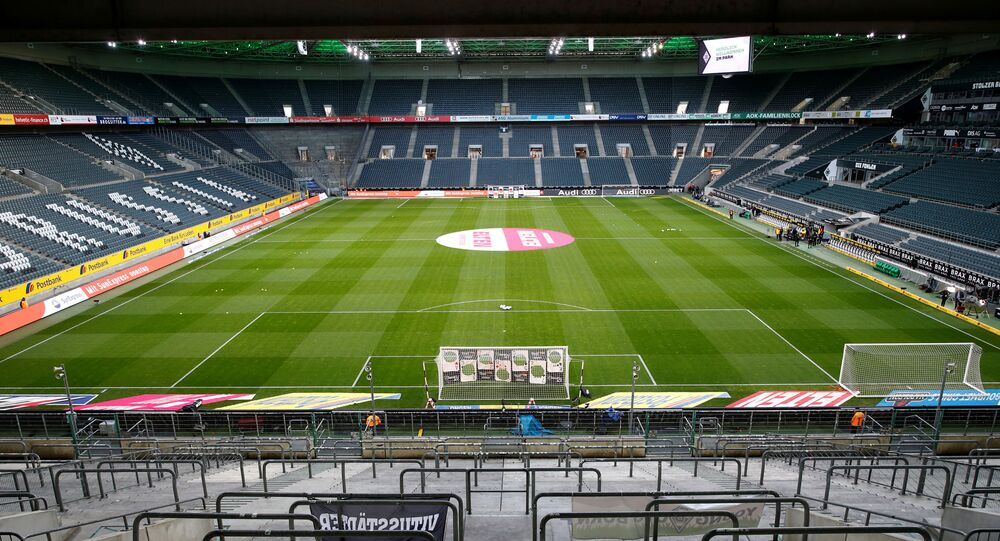 Una partita della Bundesliga a porte chiuse tra Borussia Moenchengladbach e Cologne, 11 marzo 2020