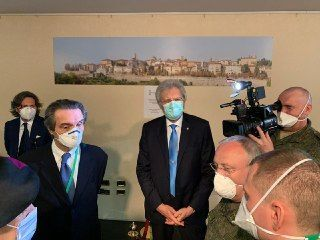 Il governatore lombardo Fontana e l'ambasciatore russo in Italia Razov