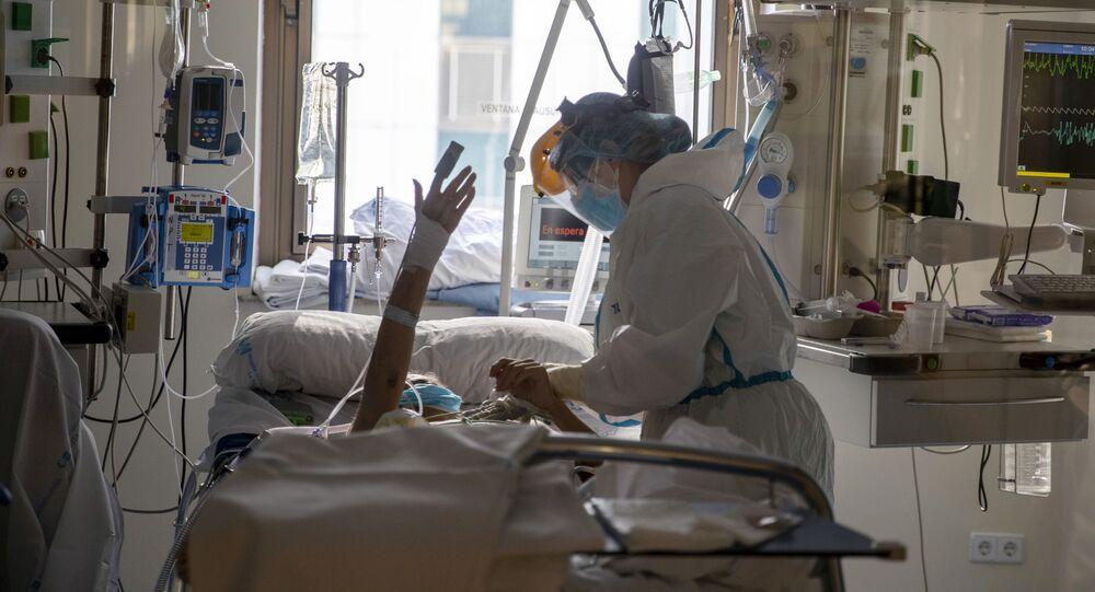 Paziente Covid all'ospedale Ramon y Cajal di Madrid (Spagna)