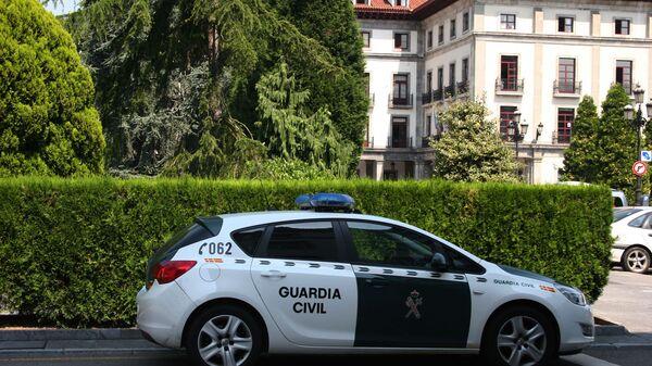 Coche de la Guardia Civil española - Sputnik Italia