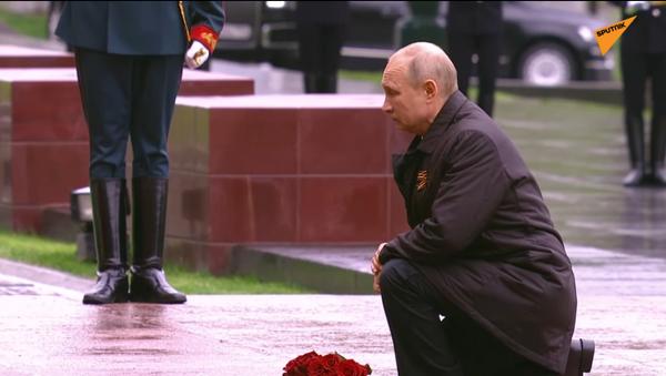 Il presidente russo Vladimir Putin fa il discorso per il Giorno della Vittoria - Sputnik Italia
