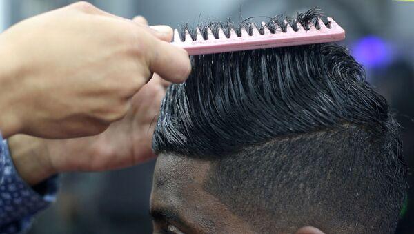 В парикмахерской города Рафах в Секторе Газа - Sputnik Italia