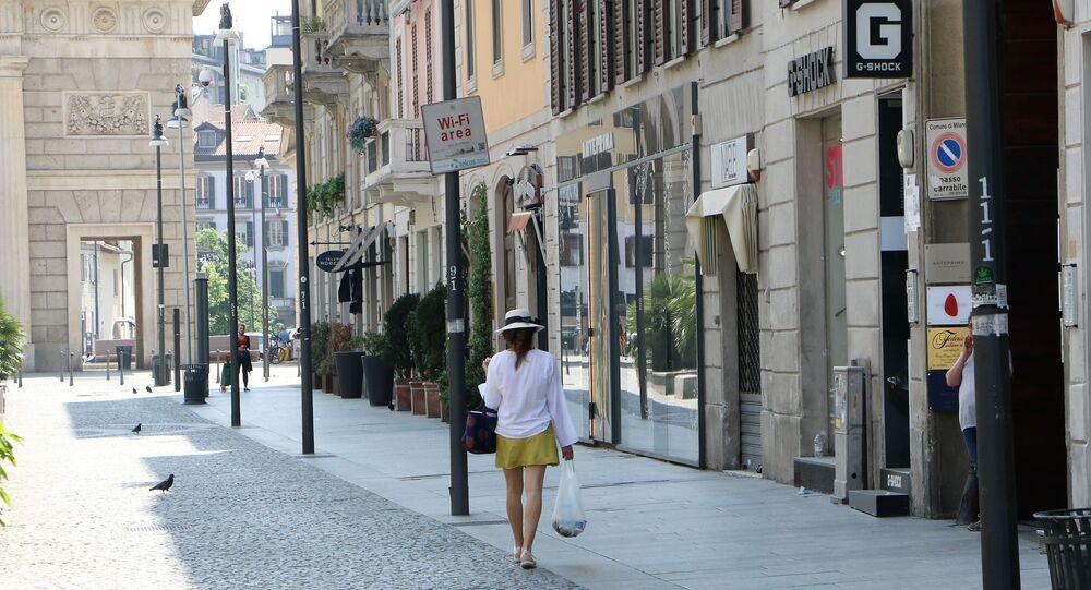 Le persone a Milano dopo l'inizio della Fase 2 in Italia