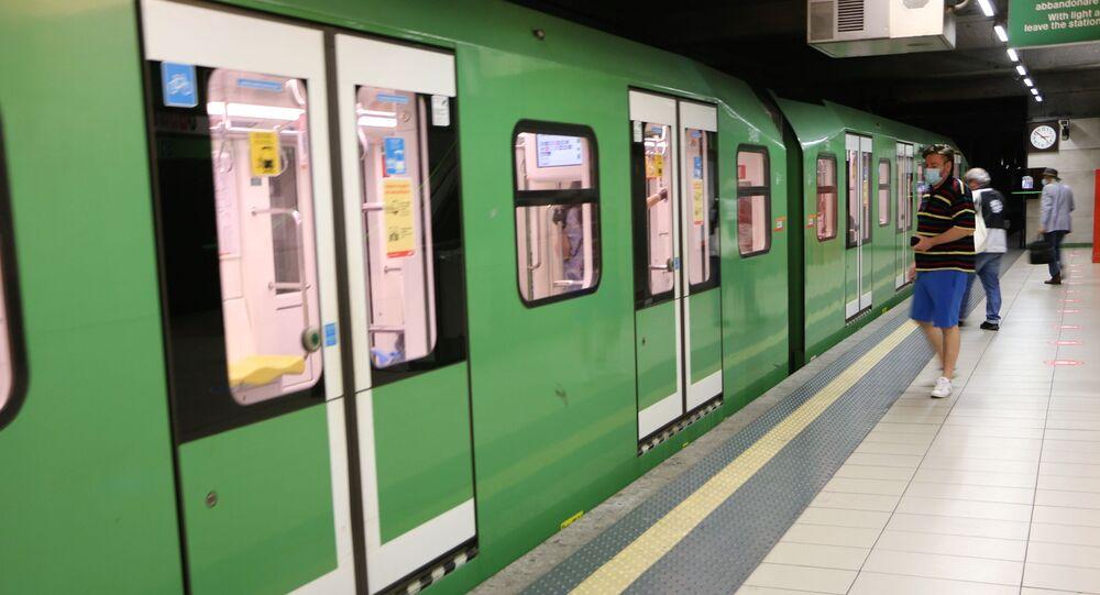Metro di Milano dopo l'inizio della Fase 2