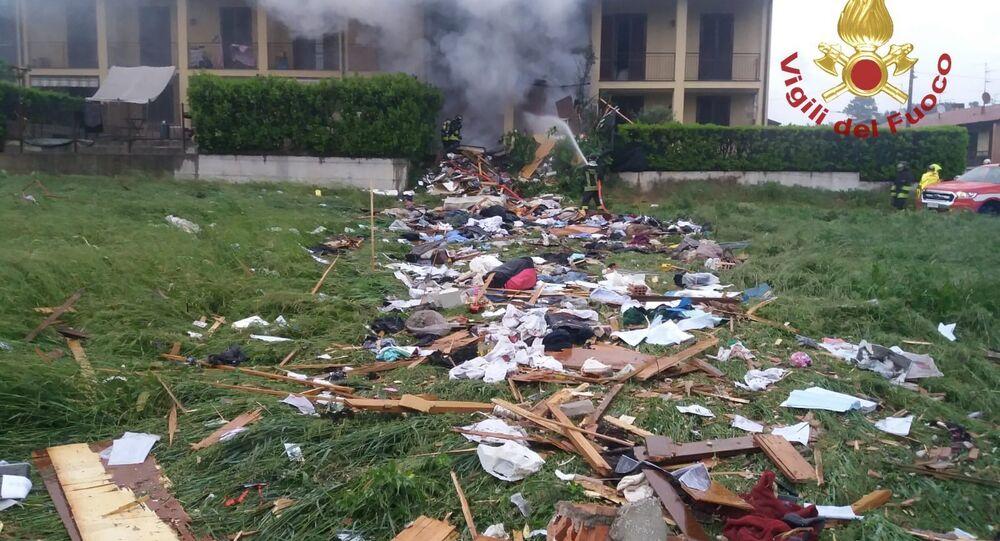 Devastante esplosione in villetta a schiera a Como