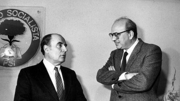 Craxi e il presidente francese François Mitterrand - Sputnik Italia
