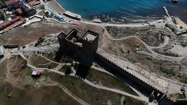La perla della Crimea: la Fortezza genovese di Sudak - Sputnik Italia