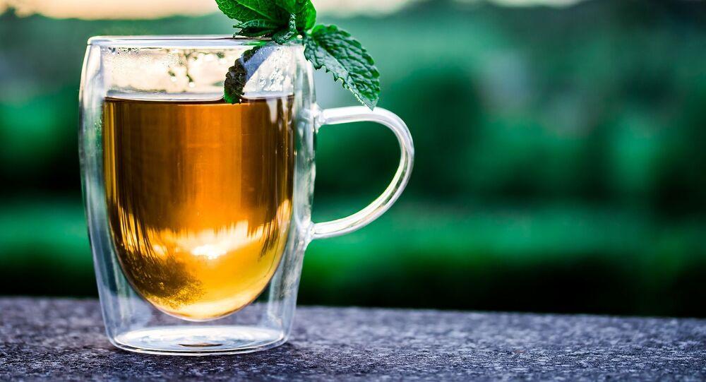 Il tè verde con la menta