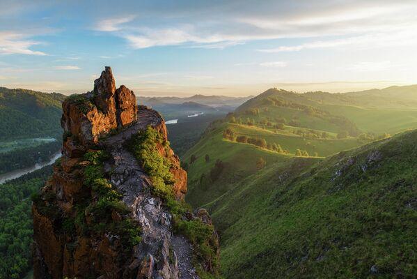 Il monte Il Dito del Diavolo in Altai. - Sputnik Italia