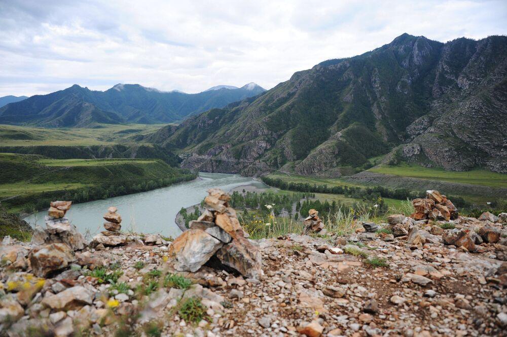 La confluenza dei fiumi Chui e Katun nella Repubblica di Altai.