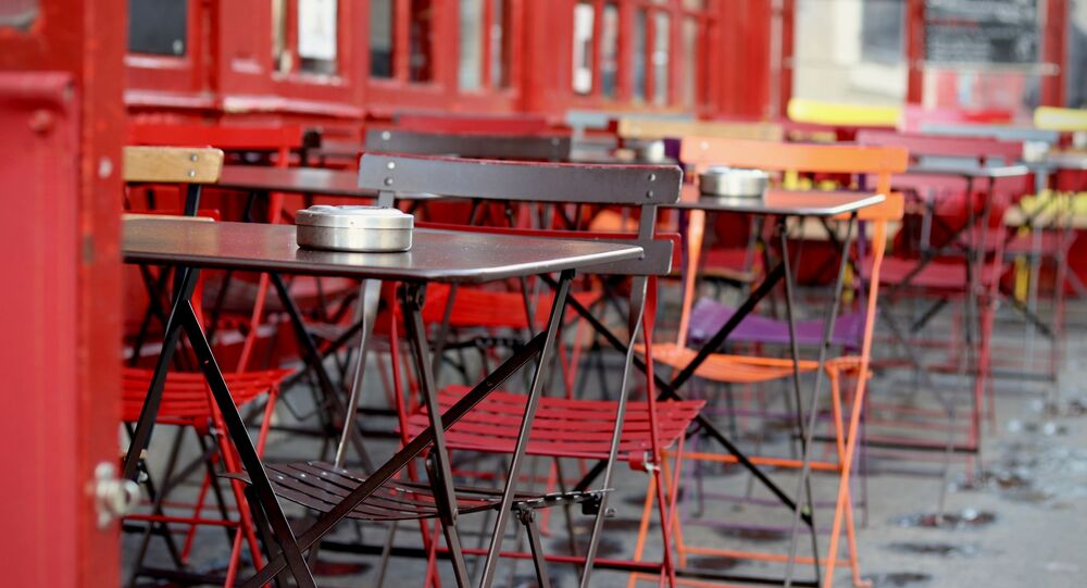 Un restaurante al aire libre