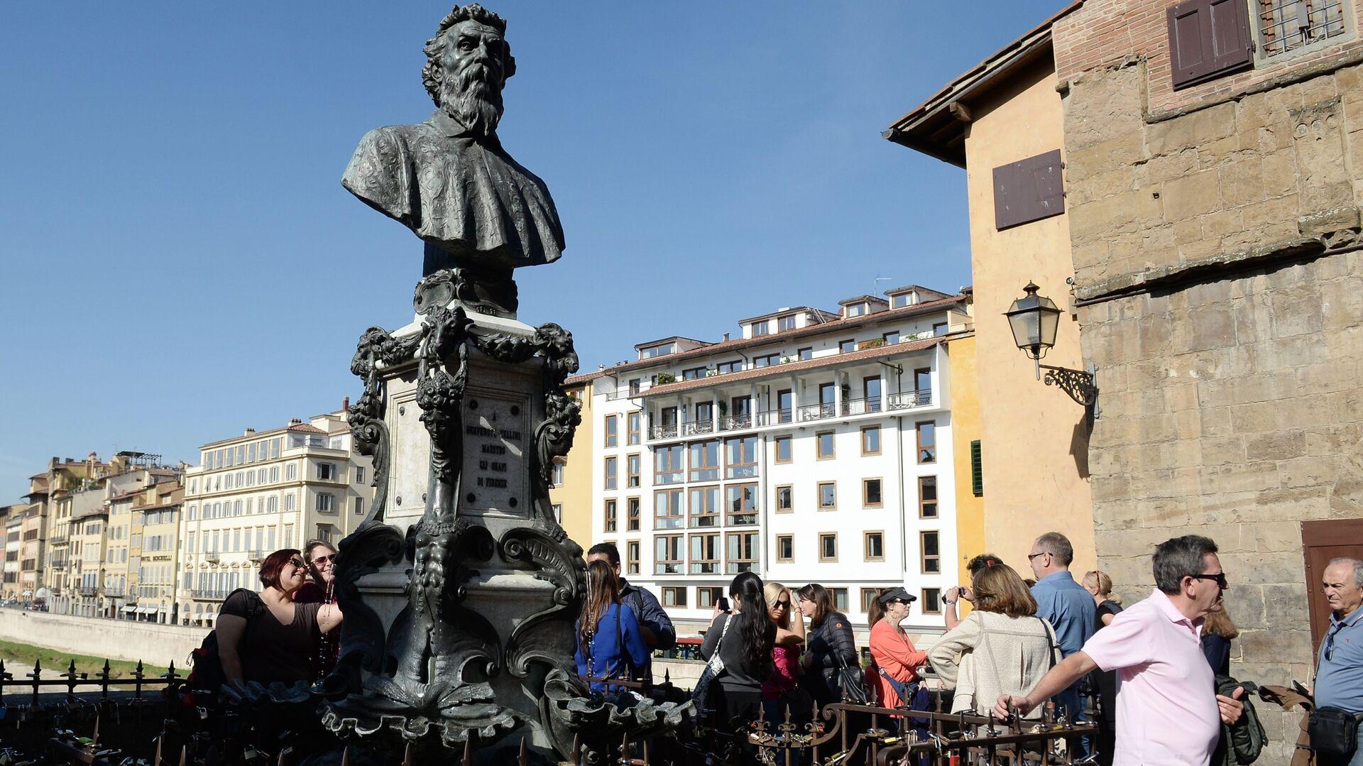 Turisti a Firenze - Sputnik Italia, 1920, 12.06.2021