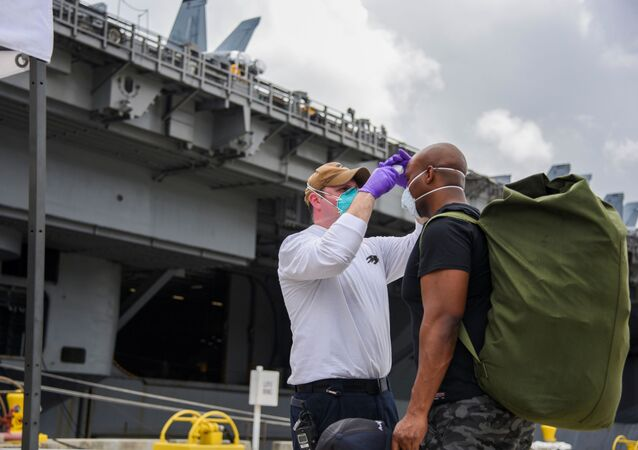 Marinai della portaerei della USS Theodore Roosevelt,  Maggio 2020