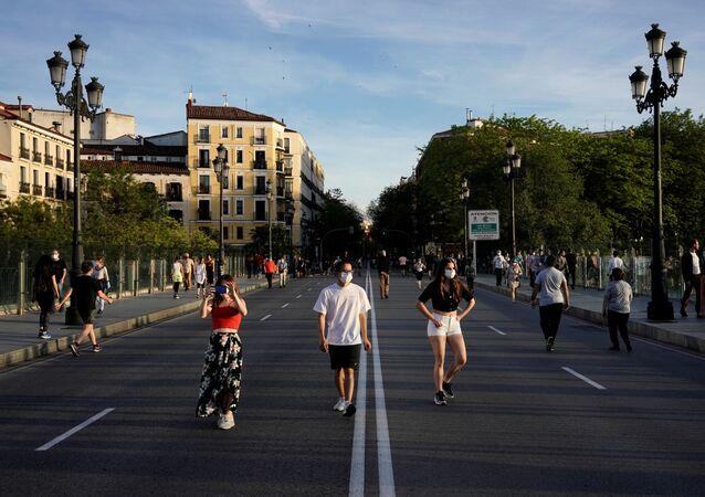 Desescalada de las restricciones impuestas por la pandemia del COVID-19 en España