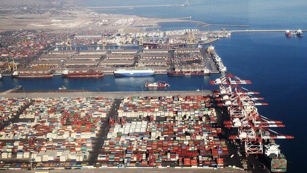 Il porto iraniano di Shahid Rajaee a Bandar Abbas. - Sputnik Italia