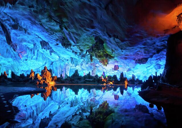 La Grotta del Flauto di Canne, Cina